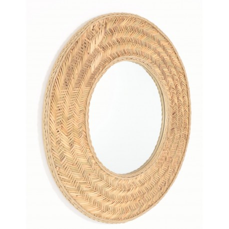 Round mirror with a broad frma woven from naturally finished rattan